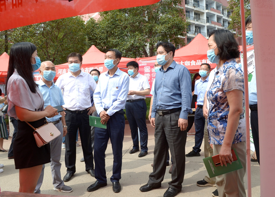 河南農業大學三校區成功舉辦畢業生現場招聘會